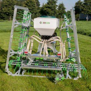Zocon Greenkeeper heeft een verzinkt frame, hoekbeveiliging en een zeer zware bok. Kijk voor alle specificaties en opties op https://zonderland-machinehandel.nl of bel met 0513-71433